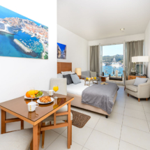 Superior studio with terrace and sea view (12)