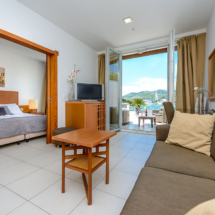 One bedroom apartment with hot tub, terrace and sea view (16)