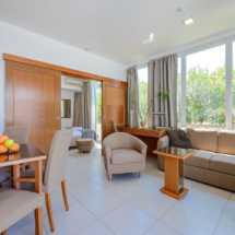 One bedroom apartment with hot tub, terrace and sea view (20)