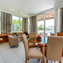 One bedroom apartment with hot tub, terrace and sea view (26)