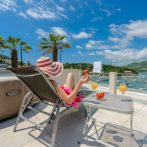 One bedroom apartment with hot tub, terrace and sea view (28)