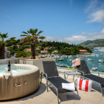 One bedroom apartment with hot tub, terrace and sea view (6)